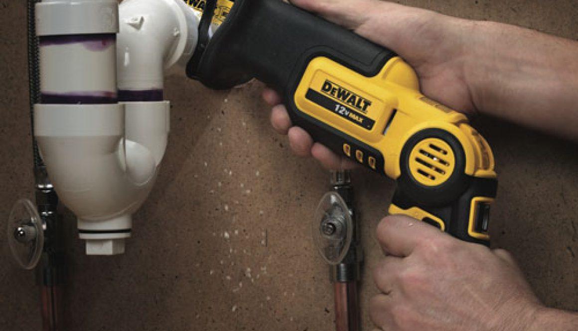 Dewalt-Pivot-Saw-Cutting-Pipe